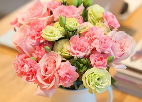 母亲节送什么花最好_母亲节应该送什么花,母亲节送康乃馨几朵最好(16朵)