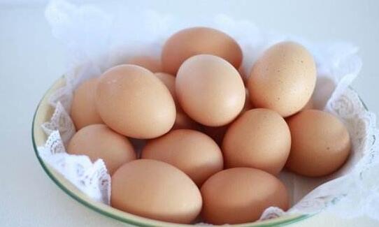 生鸡蛋兑水可以浇花吗,可以(1:10比例混合可开花爆盆)