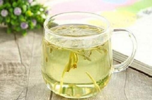 金银花泡水喝的功效,清热解毒缓解炎症还能增强免疫