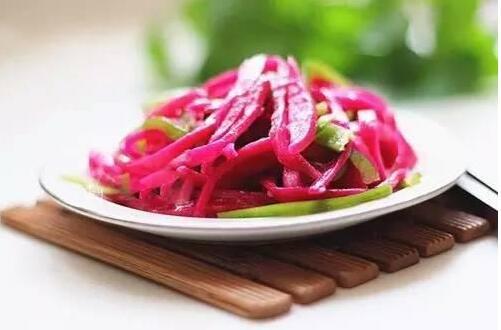 火龙果皮能吃吗,可以吃用来榨汁还能减肥瘦身