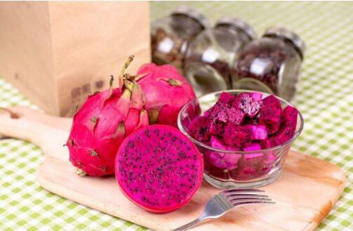火龙果的功效与危害,排毒解毒美白养颜寒性体质少吃