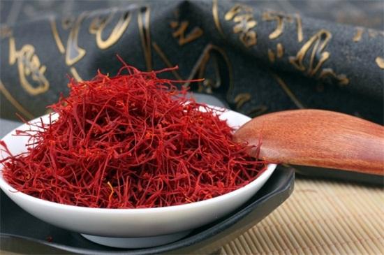 藏红花多少钱一斤,进口6000元一斤/国产15000元一斤