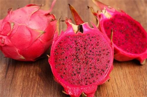 红心火龙果吃完尿红色正常吗,正常(附食用功效)