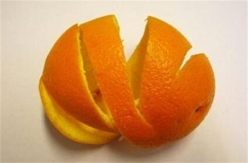 新鲜橙子皮可以泡脚吗,橙子可以用来洗澡吗