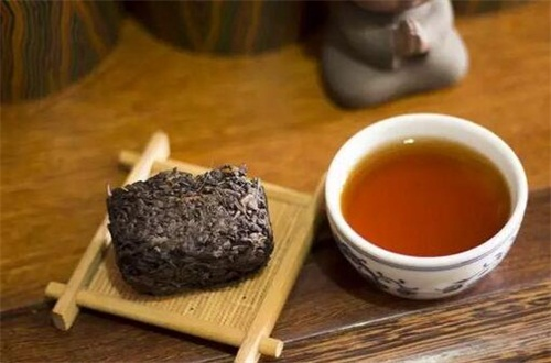 黑茶是涼性還是熱性,溫性適合長期飲用