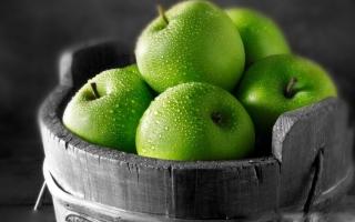 青苹果的功效与作用:美白皮肤|生津止渴