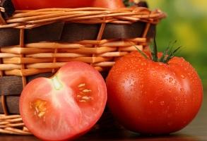 番茄的价格:批发价一般为1.5/斤;零售价一般为2~3.5元/斤