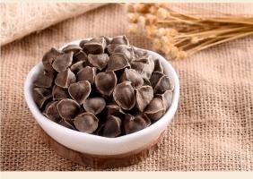 辣木籽的功效和作用:调节三高,保肝护胃,排毒减肥