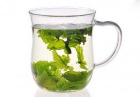 桑叶泡水喝有什么作用:长期服用可清肝明目,降血压、血糖