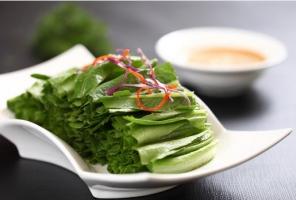 油麥菜的營養價值:油麥菜含有大量維生素和鈣、鐵、蛋白質、脂肪等營養成分
