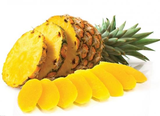 熟透的菠萝