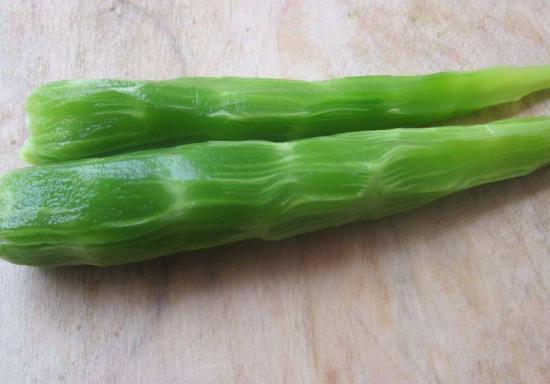 削了皮的莴苣