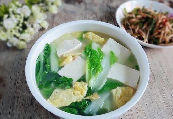 豆腐青菜鸡蛋汤