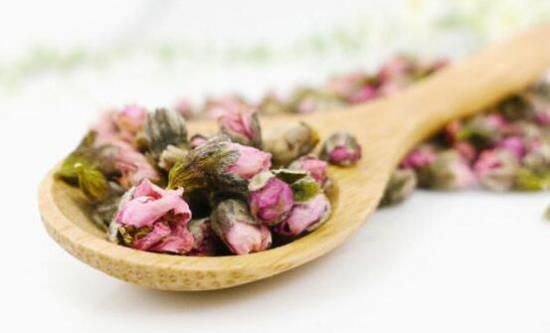 桃花泡水喝有什么功效,桃花茶的功效与禁忌